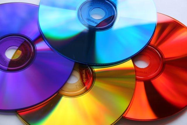 حفظ و نگهداری هر چه بهتر از CD و DVDها