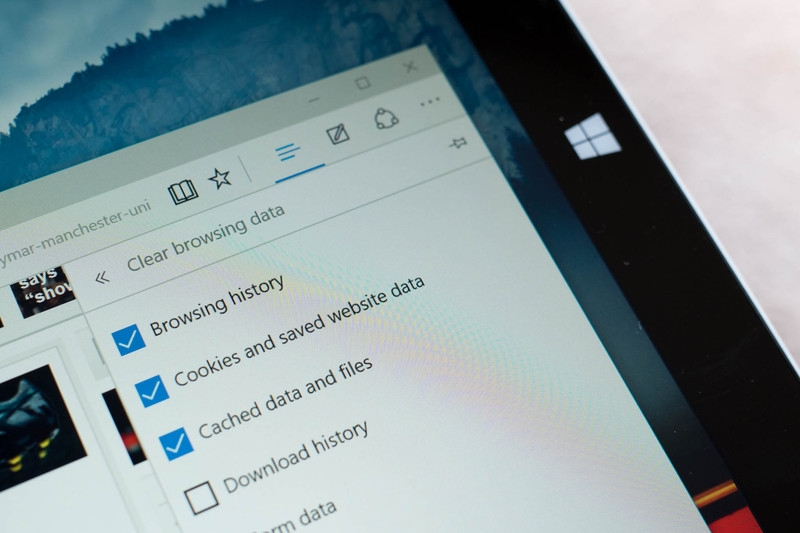 نحوهی مشاهده و حذف تاریخچهی مرورگر Microsoft Edge