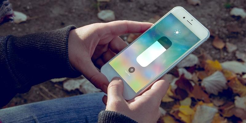 روش تنظیم کردن میزان روشنایی صفحه نمایش در iPhone و iPad
