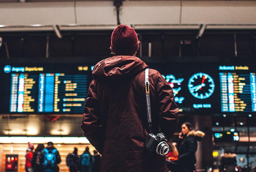 چه موقع باید از پروازهای ترانزیت استفاده کنیم؟