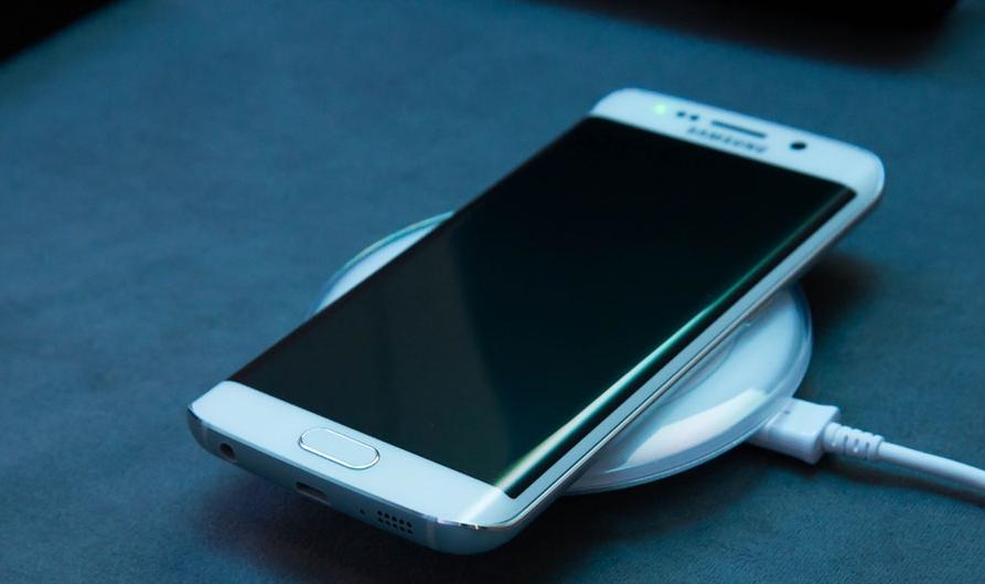 کدام گوشی تلفن همراه سریعتر شارژ میشود؟