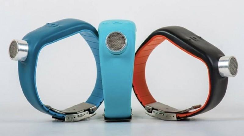 دستبند فراصوت برای کمک به نابینایان